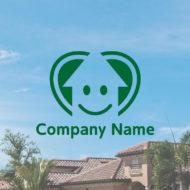 2重のハートの中に大きな上向きの矢印と元気で明るいキャラクターをデザインしたロゴ