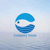 海と空と魚のシンプルなロゴデザイン