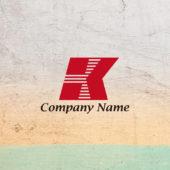 アルファベットKのロゴ: 横ストライプで動きをつけたKのロゴマーク